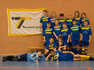 Die D2- Jugend, die mit zwei Mannschaften am Turnier teilnahm, und die Plätze sieben und acht belegte