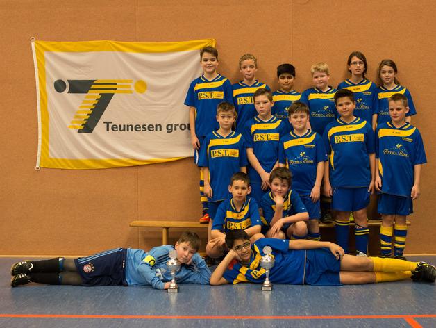 Mannschaftsfoto der D2-Jugend des TSV Weeze in der Saison 2015/2016